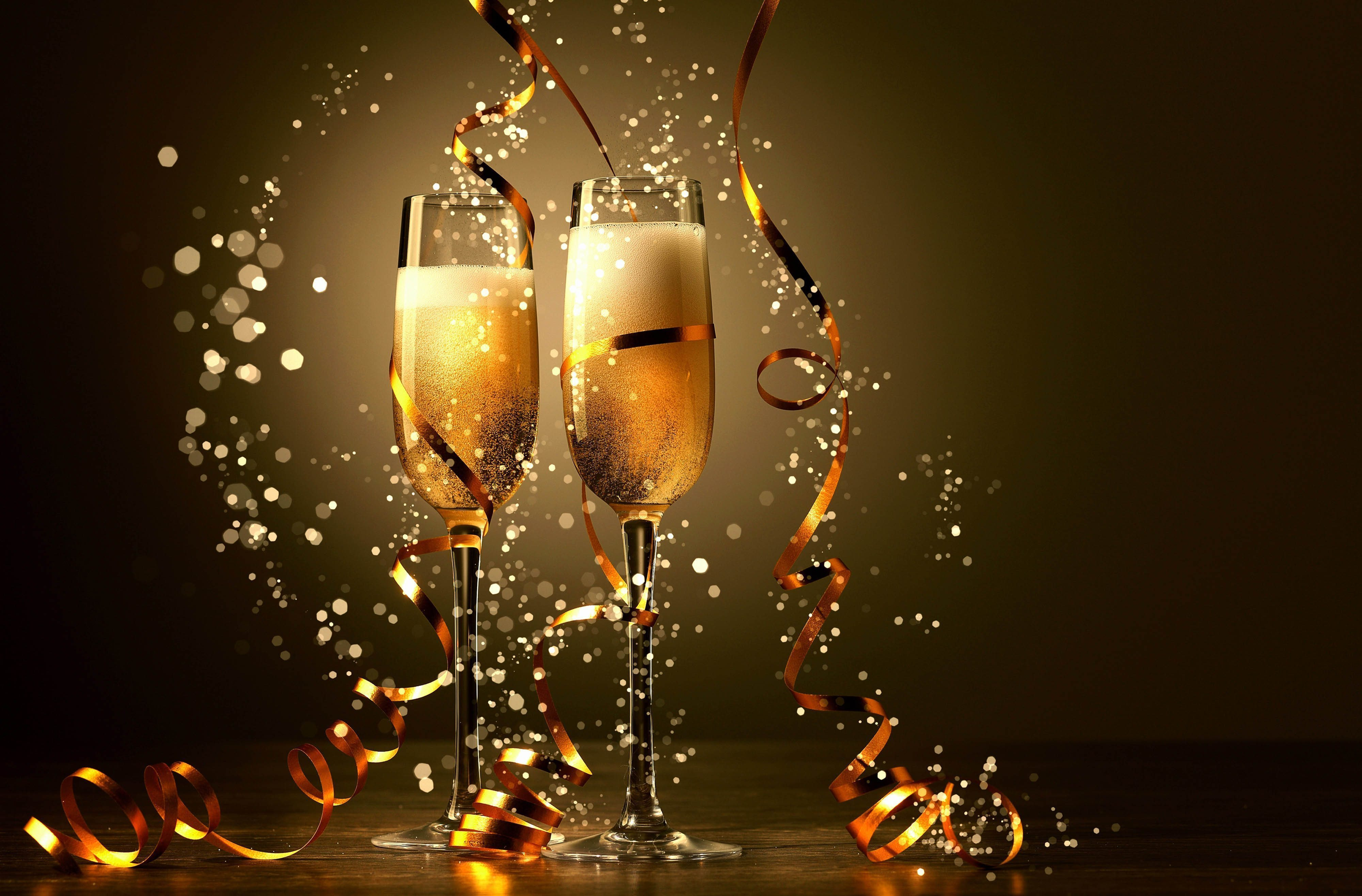 new-years-champagne-glasses