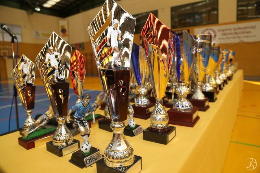 9425-entrega-trofeos-las-ligas-locales-actidades-feria